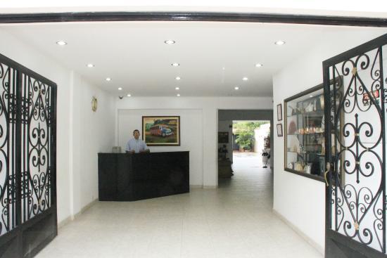 Hotel Casa Pablo: recepcion