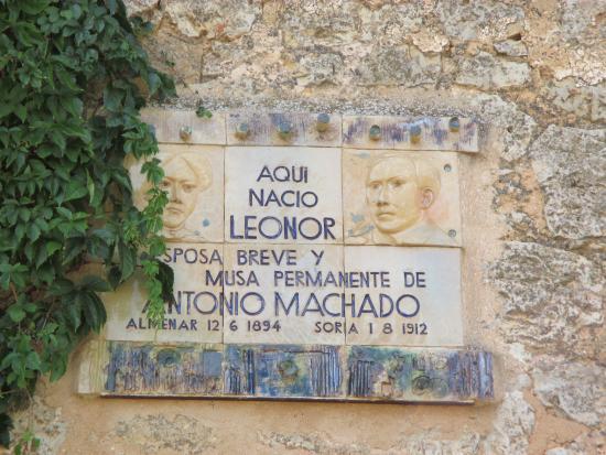 Castillo  en Almenar de Soria - gedenkplaat