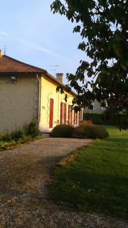 Ruch, Francia: une vue de l'arrière de la demeure,c'est la plus belle !