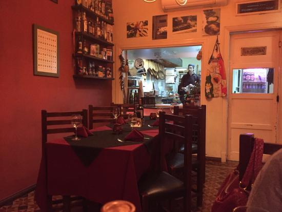 Peperoncino Ristorante : Muy buenos platos, cocina a la vista