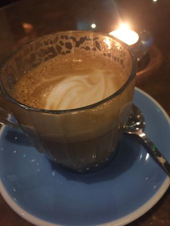 The White Hart: Gorgeous Barista style coffee !