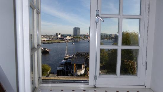 De Baronie Bed & Breakfast: Main bedroom view