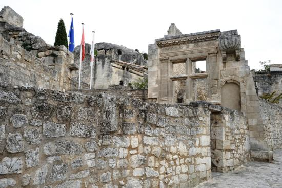 Fresque chapelle picture of office de tourisme des baux de provence les baux de provence - Office du tourisme baux de provence ...