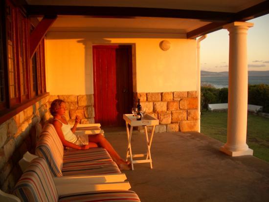 La Gratitude Villa: Front stoep