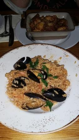 Mo Mambo: Seafood Risotto, looked better in person!