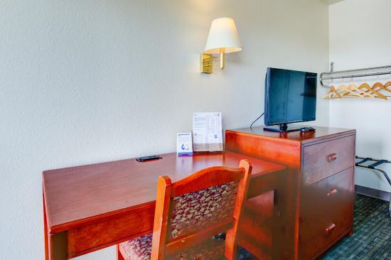Good Nite Inn Sacramento: Guestroom