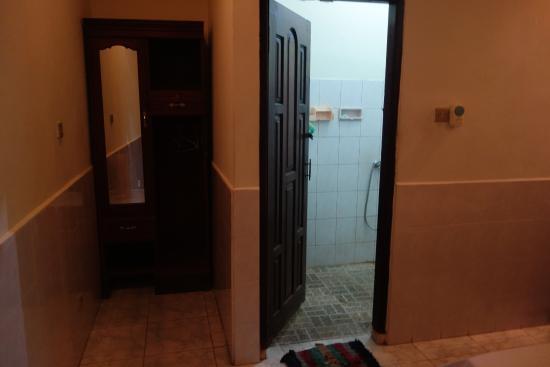 Kembar Inn: room