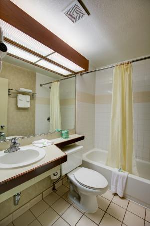 Good Nite Inn - Redwood City: Bathroom