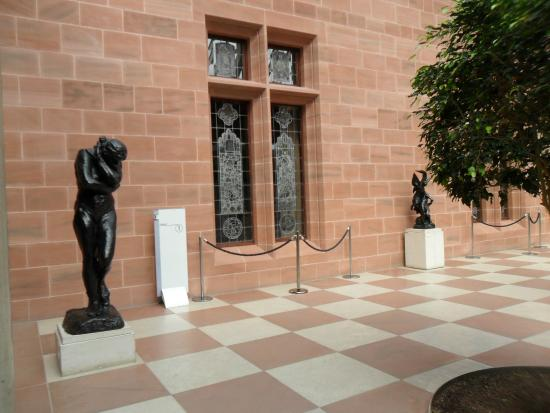 The Burrell Collection: Stained glass and statues