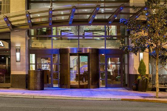 Loews Hotel 1000, Seattle: Hotel Entrance