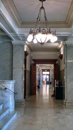 Ventura City Hall : Typical Hallway