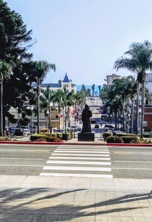 Ventura City Hall : View down California Street