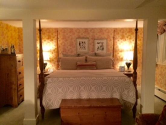 Bedford Village Inn: Room 8