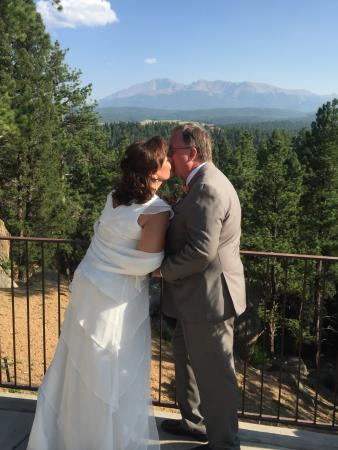 Pikes Peak Paradise Bed And Breakfast Wedding At Pike S 8 29