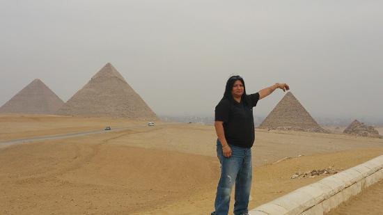 Real Life Egypt - Day Tours: Pyramids of Giza