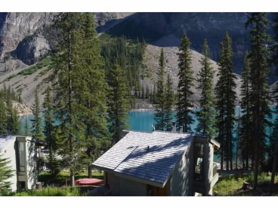 Hotel Picture Of Moraine Lake Lodge Lake Louise