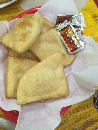 Posa's Tamale Factory and Restaurant: Sopapilla and honey--yummy!