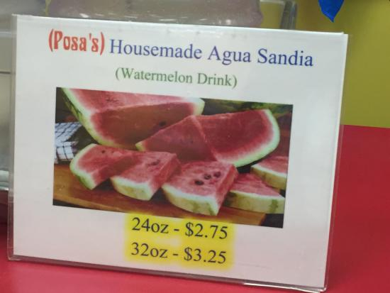 Posa's Tamale Factory and Restaurant: Excellent watermelon drink!
