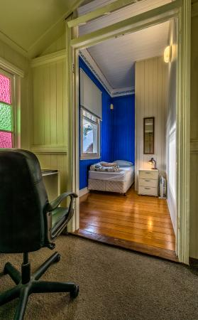 Minto Colonial Hostel: Single room