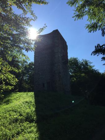 Resti del Castello di Sopramonte