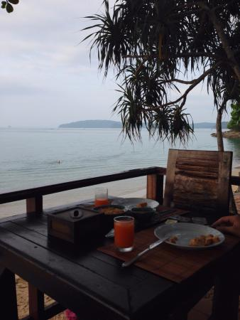 Ao Nang Beach Home: Vista do restaurante