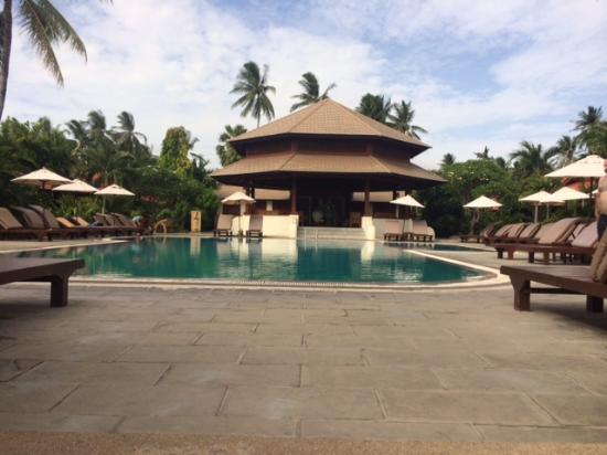 Smile House Resort: Front pool