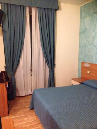 Hotel 2000: photo1.jpg