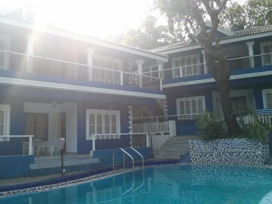 The Heritage Goa Hotel: pool and rooms at heritage hotel