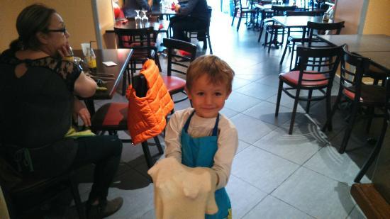 Cluny, Francia: Futur pizzaiolo...mon bb...