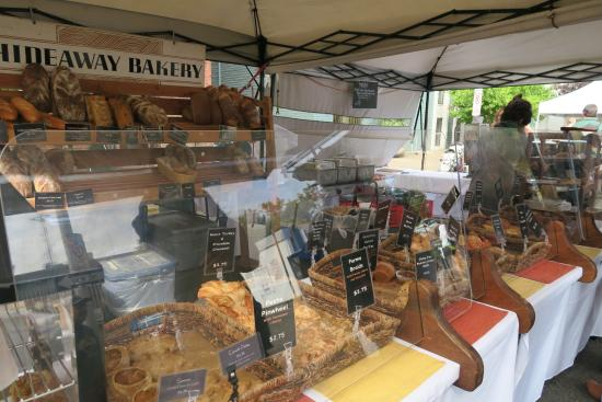 Eugene, OR: The best bakery that we've tried....try the rhubarb & beef hand pie