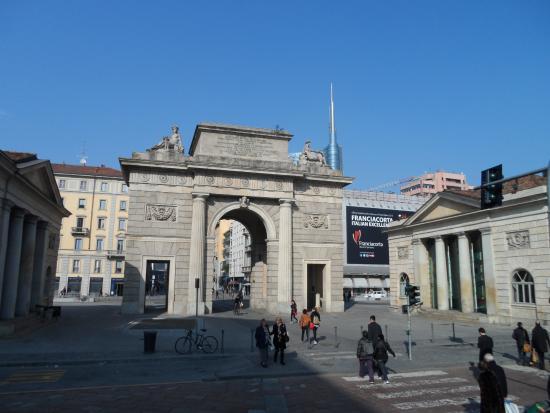 Vista da piazza aulenti foto di porta garibaldi milano - Da porta garibaldi a milano centrale ...