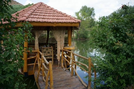 Lchak Restaurant