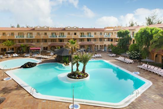 Elba Lucia Sport & Suite Hotel: Vista Exterior Hotel
