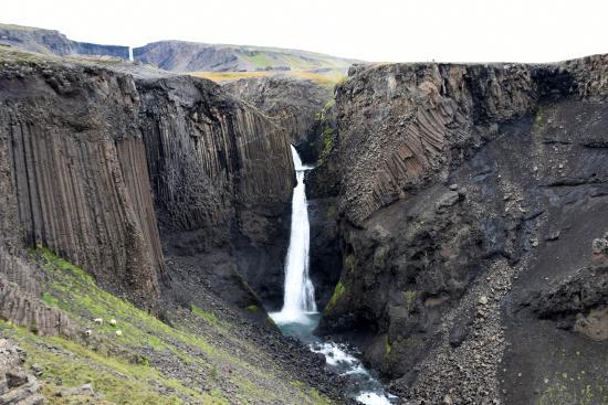Hallormsstadur, ไอซ์แลนด์: The falls