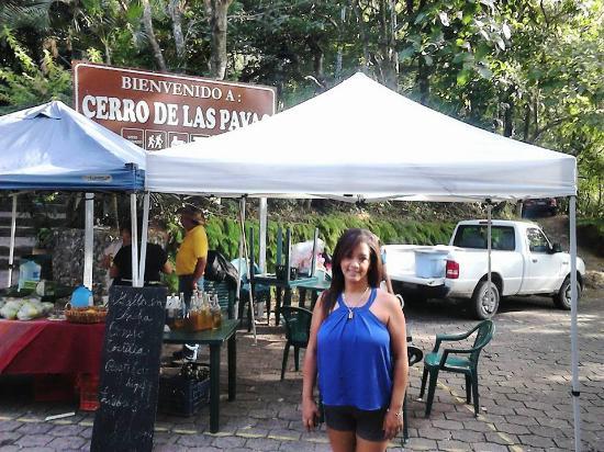 Cojutepeque, El Salvador: Mi amada y bella esposa en El Cerro de Las Pavas