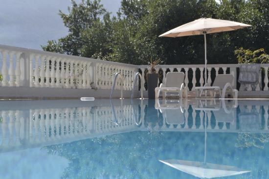 Muo, Μαυροβούνιο: Excellent swimming pool