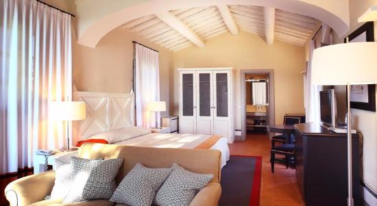 Borgo Scopeto Relais: Spacious Room with king size bed