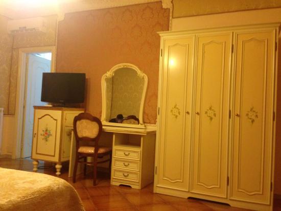 Grand Hotel La Sonrisa: room