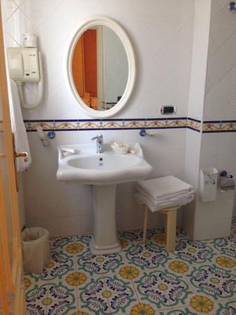 Grand Hotel La Sonrisa: bathroom