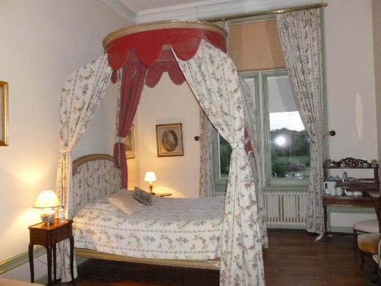 Buzancais, Francia: Château de Boisrenault chambre Baldaquin