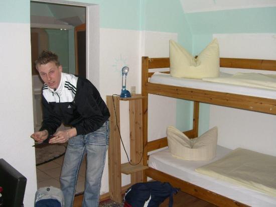 jugend hotel nuernberg bewertungen fotos. Black Bedroom Furniture Sets. Home Design Ideas