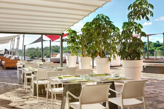 Terre Rouge: La Fourchette Meditéranean Restaurant