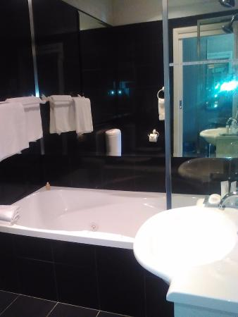 BEST WESTERN Caboolture Gateway Motel: Bathroom