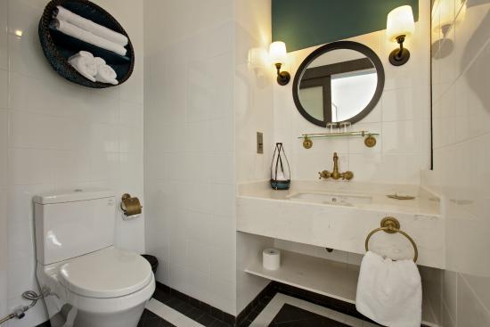 Maison Vy Hotel: Bathroom