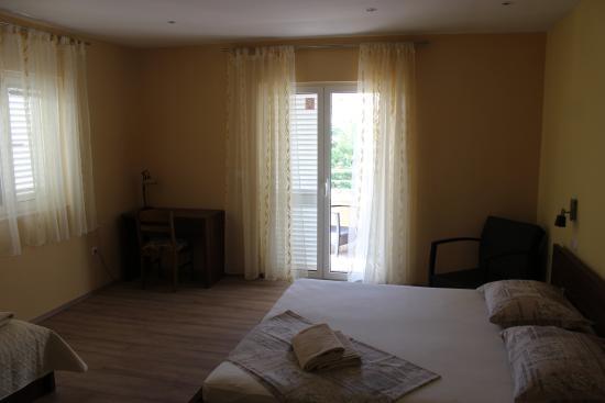 Apartments Komazin: Cozy Bedroom