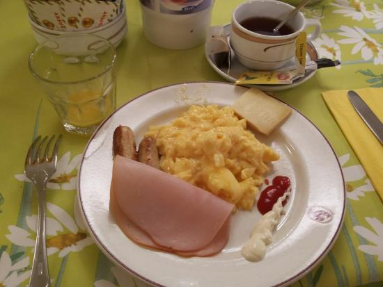 Tulip Inn Lausanne Beaulieu: Breakfast