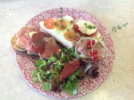 Saint-Andre-de-Sangonis, فرنسا: assiette club sandwich
