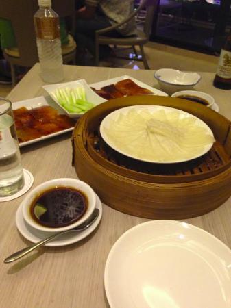 Jasmine Restaurant: Peking duck first dish
