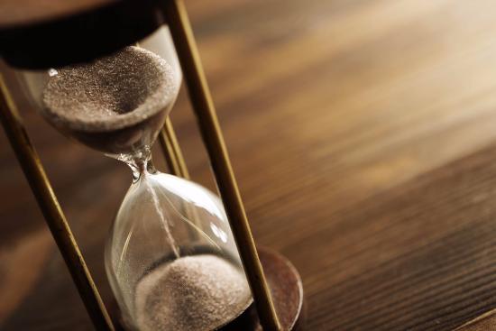 Αποτέλεσμα εικόνας για time running out hourglass