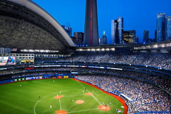 delta toronto steps away from the rogers centre. Black Bedroom Furniture Sets. Home Design Ideas